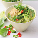 green_thai_curry_soup_in_bowl_food